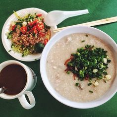 Hoe Kee Porridge #01-45/46 Maxwell Food Centre ALL DAYS 06:30am - 02:30am Fri-Sun      06:30am - 04:00am