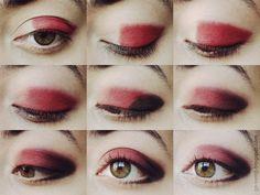 Red eye makeup <3