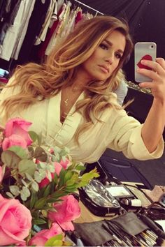 Jessie James Decker. Love Her. I'm thinking in a color like this... I hope I can pull it off!