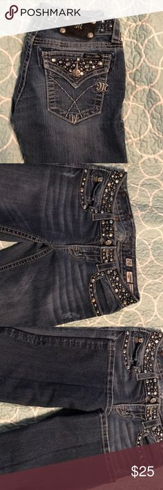 Miss mes 26 women's miss mes! Size 26, inseam 34. These jeans are in perfect condition. No rips, no tears, and no jewels missing. Miss Me Jeans Boot Cut