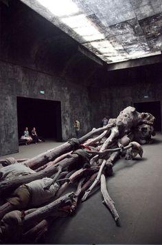 GIARDINI Berlinde De Bruyckere - Venice Art Biennale - Read more about a fantastic art trip www.daysontheroad.be
