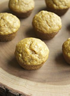 Mini Pumpkin Applesauce Muffins {Toddler Approved} « Healthy Food For Living