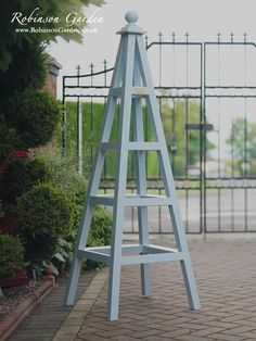 Windsor Bespoke Wooden Garden Obelisk handcrafted by Robinson Garden - Farrow & Ball paint Windsor Obelisk – We design and handcraft a range of beautiful Wooden Garden Obelisks Windsor & B Obelisk Trellis, Diy Trellis, Garden Trellis, Herbs Garden, Fruit Garden, Pergola Shade, Diy Pergola, Pergola Kits, Windsor