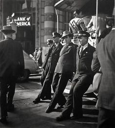 Fred Lyons, Cable Car Turnaround, 1946, gelatin silver print