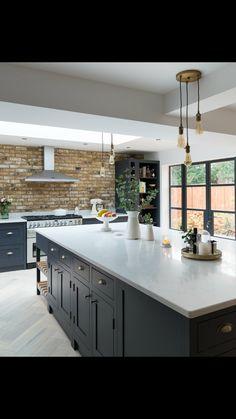 McKenchie - The Shaker Kitchen Open Plan Kitchen Living Room, Home Decor Kitchen, Interior Design Kitchen, New Kitchen, Home Kitchens, Black Kitchens, Kitchen Tools, Kitchen Island, Kitchen Ideas