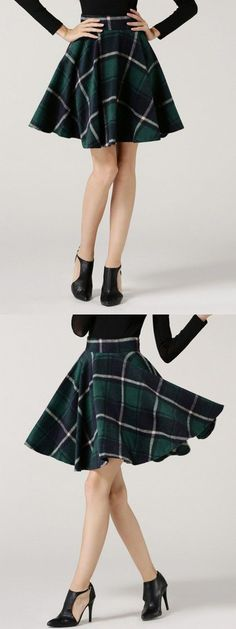 i really like this skirt. i would prefer it to be a little longer so i could wear it to school < Slytherin skirt (kind of) Mode Harry Potter, Harry Potter Outfits, Harry Potter Kleidung, Slytherin Clothes, Gq, Workout Wear, Mannequin, Fashion Outfits, Womens Fashion
