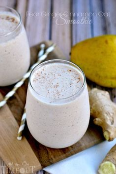 This Pear Ginger Cinnamon Oat Smoothie is a terrific, healthy way to kick-start your day! | MomOnTimeout.com