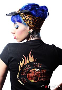 MANIC PANIC Rockabilly™ Blue pin-up hair I wonder if i had a long side bang could I pull this do off. The scarf would hide the bottom hairs