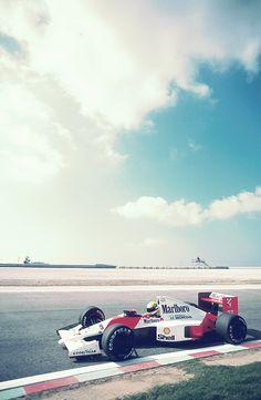 the beauty of Formula 1 in pictures — Ayrton Senna Mclaren Formula 1, Formula 1 Car, F1 Racing, Drag Racing, Mclaren F1, Car Posters, Vintage Racing, Car Wallpapers, Grand Prix