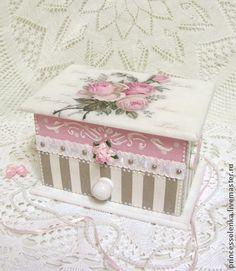 """""""Розы-розочки"""" Комодик для украшений, мелочей, шебби-шик - бледно-розовый"""