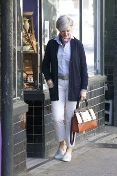 The outfit is tidy, but sort of ho-hum.  However, that bag makes it!!