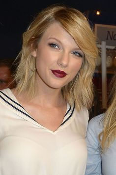 Here's a little Love Story to the great hair & beauty of one Taylor Swift