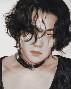 Bts Suga, Min Yoongi Bts, Foto Bts, Estilo Bad Boy, Min Yoonji, Bts Fans, Album Bts, Bts Lockscreen, Kpop Aesthetic