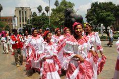Las señoras del alojamiento temporal La arenera presentes en Medellín