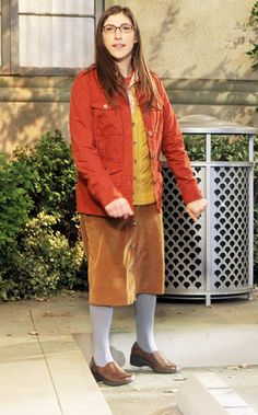 Mayim Bialik as Amy Farrah Fowler--The Big Bang Theory Chuck Lorre, Easy Halloween Costumes For Women, Amy Farrah Fowler, Mayim Bialik, Jim Parsons, Perfect Together, Nerd Herd, Female Friends, Big Bang Theory