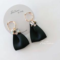 Bijou Ring Black Ribbon Earrings - Women's Here Jewelry Trends, Jewelry Sets, Jewelry Accessories, Fine Jewelry, Unique Jewelry, Handmade Accessories, Crystal Jewelry, Beaded Jewelry, Handmade Jewelry