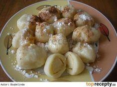 Jablkové knedlíky Czech Recipes, Ethnic Recipes, Sweet And Salty, Food Hacks, Food Tips, Pretzel Bites, Potato Salad, Potatoes, Essen