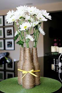 Decoração de casamento flores e garrafas