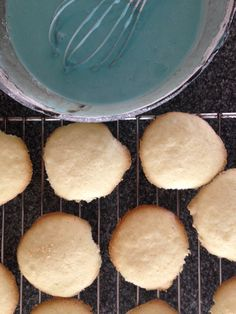 Cookies & royal icing: gluten free