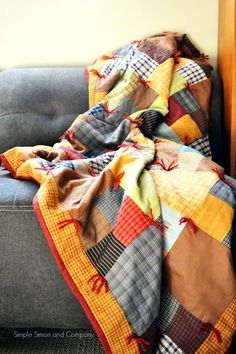 This insanely warm quilt is made out of a patchwork of flannel, making it extra toasty. Beginner Quilt Patterns, Star Quilt Patterns, Beginner Quilting, Block Patterns, Pattern Ideas, Winter Quilts, Fall Quilts, Quilting Projects, Quilting Designs