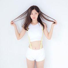 New Fashion Korean Kpop Bts Beautiful Ideas Pretty Asian, Beautiful Asian Girls, Kpop Girl Groups, Kpop Girls, Asian Fashion, Girl Fashion, Fashion 101, Kim Chungha, Jung Chaeyeon