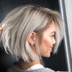 Beige blonde bob haircolor formula with how-to instructions using Pulp Riot Blonde AF lightener and Schwarzkopf Professional IGORA ROYAL. Cute Hairstyles For Short Hair, Short Hair Cuts For Women, Bob Hairstyles, Straight Hairstyles, Short Haircuts, Simple Hairstyles, Cute Short Hair, Pageant Hairstyles, Stylish Short Hair
