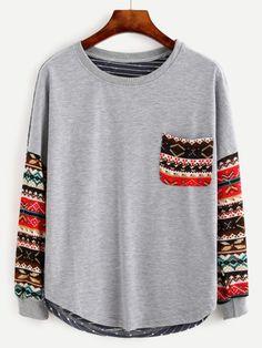 Camiseta de impresión coloreada tribal de manga larga