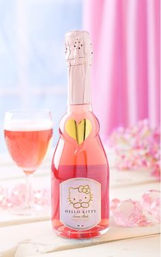 Hello Kitty Kitchen Gifts That Offer a Daily Dose of Happiness Hello Kitty Toaster, Hello Kitty Wine, Hello Kitty Gifts, Hello Kitty Kitchen, Hello Kitty House, Hello Kitty Items, Wine Bottle Images, Bone Apple Tea, 17th Birthday Gifts