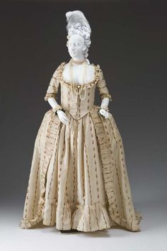Open Robe and Petticoat (Chiné Robe a la 'Anglaise), ca. 1780-1790. Mint Museum.