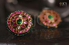Jewellery Showroom, Jewellery Shops, Bead Jewellery, Gold Jewellery Design, Silver Jewelry, Indian Jewelry Earrings, Gold Earrings, Kerala Jewellery, Rangoli Border Designs
