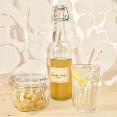 Dutch Recipes, Food Design, Good Mood, Diy Food, Chutney, Food And Drink, Homemade, Bottle, Foodies