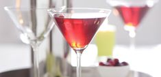 Try our Double-Berry Martini recipe, featuring vodka with a splash of cranberry and sweet raspberry. A Double-Berry Martini is great at cocktail hour, before a dinner party or to toast to a special occasion! No Calorie Foods, Low Calorie Recipes, I Foods, Kraft Recipes, Ww Recipes, Vodka Recipes, Zoodle Recipes, Punch Recipes, Family Recipes
