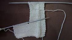 RECEITA TRICÔ FÁCIL: Receita da Botinha Para Bebês Knit Baby Booties, Baby Hats, Baby Knitting, Maya, Geek Stuff, Accessories, Chanel, Diy And Crafts, Crochet Baby Socks