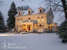 Georgian Manor Inn decorated for Christmas