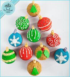 A cupcake tree! Christmas Cake Pops, Holiday Cupcakes, What Is Christmas, Christmas Sweets, Christmas Items, Christmas Balls, Xmas, Christmas Ornaments, Santa Baby