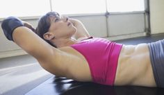 Entrénale.com » 5 formas de hacer abdominales de pie