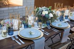 fresh modern wedding ideas for the contemporary couple 30 trendy geometric wedding ideas for modern brides 30 modern wedding decor … Blue Table Settings, Wedding Table Settings, Wedding Table Decorations, Wedding Themes, Decor Wedding, Wedding Parties, Wedding Reception, Wedding Centerpieces, Farm Table Wedding
