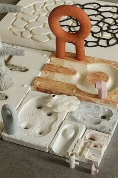 Ceramic is versatile and fairly cheap to acquire, compared to other materials. With intricate designs and a wide array of patterns, decorating homes with ceramics has become quite the big trend in … Ceramic Clay, Ceramic Pottery, Ceramic Table, Sculptures Céramiques, Ceramic Techniques, Pottery Sculpture, Contemporary Ceramics, Ceramic Design, Mold Making