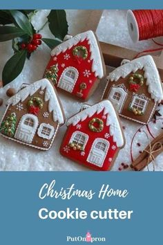 Christmas Home Cookies decor from Julia M Usher ( the photo does not belong to putonapron) Get inspired for Christmas! Christmas Tree Cookie Cutter, Christmas Sugar Cookies, Christmas Sweets, Christmas Gingerbread, Noel Christmas, Christmas Goodies, Holiday Cookies, Christmas Baking, Gingerbread Cookies
