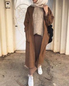 Muslim Fashion 620652392376424236 - Le Top Fashion Hijab de – Hijab Fashion and Chic Style Source by Modest Fashion Hijab, Modern Hijab Fashion, Street Hijab Fashion, Hijab Fashion Inspiration, Islamic Fashion, Muslim Fashion, Mode Inspiration, Look Fashion, Modest Outfits Muslim