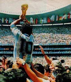 Diego Maradona World Cup 1986 God Of Football, Legends Football, Football Images, Football Icon, Retro Football, World Football, Soccer World, Sport Football, History Of Soccer