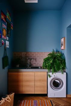 chic laundry room
