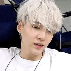♡ Min Yoongi ♡Disclaimer: The pictures/gifs posted are NOT mine. Jimin, Suga Gif, Jungkook Jeon, Min Yoongi Bts, Min Suga, Suga Suga, Seokjin, Kpop, Taehyung