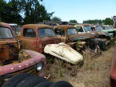Кладбище старых автомобилей в США
