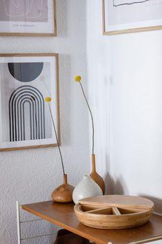 Meine neue Bilderwand im Flur - Newniq Interior Blog - Design Blog - #Bilderwand #Blog #Design #Flur #flurgestalten #Interior #Meine #neue #Newniq Walk In Closet Design, Design Blog, Unique Weddings, Wedding Flowers, Inspiration, Home, Hallway Pictures, Hallway Decorating, Neon Colors