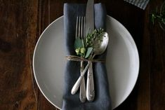 5 Quick Fixes: Elevating the Napkin, Thanksgiving Edition: Remodelista