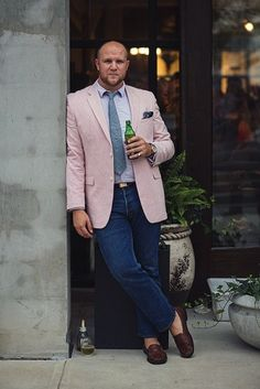 Your shirt and waist size shouldn't prevent you from displaying your own look and style. Take a look at our collection of large men's fashion for inspiration.