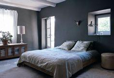 Une chambre calme et reposante dans une maison provençal