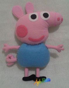 George Pig com 27 cm, todo confeccionado em feltro, feito a mão.
