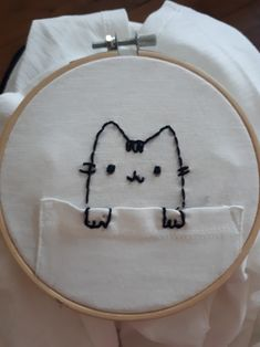 Pusheen embroidery t shirt